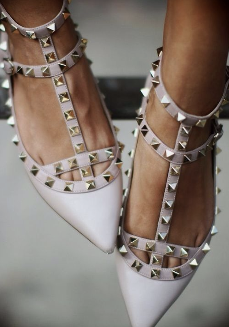 THE ULTIMATE GUIDE TO VALENTINO ROCKSTUD DUPES
