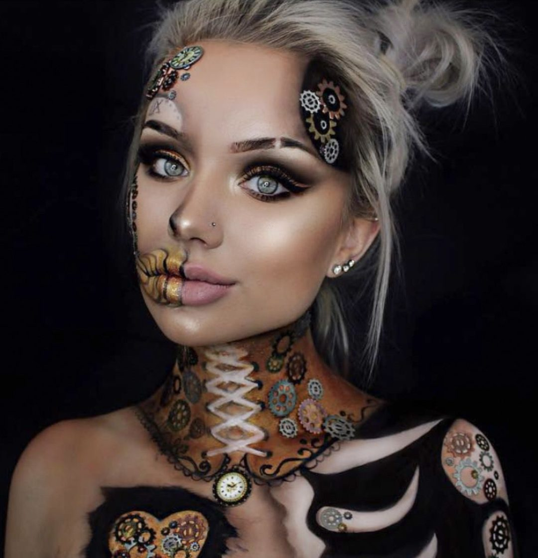 41 Most Jaw-Dropping Halloween Makeup Ideas That Are Still Pretty: Awesome Halloween Makeup - Click though to see more awe inspiring pretty Halloween makeup looks, gorgeous Halloween makeup and Halloween costumes. #halloweenmakeup #halloweenmakeuppretty #halloweencostumes #halloweenmakeupinspo #gorgeoushalloweenmakeup